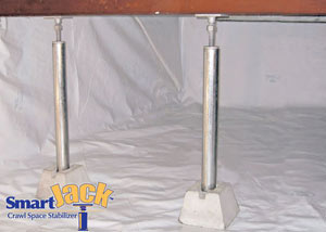 Crawl space structural support jacks installed in La Harpe