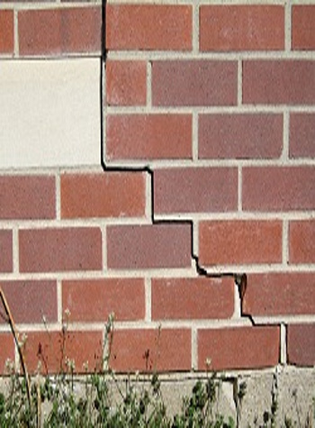photo of a rotating foundation wall with cracks in Edina
